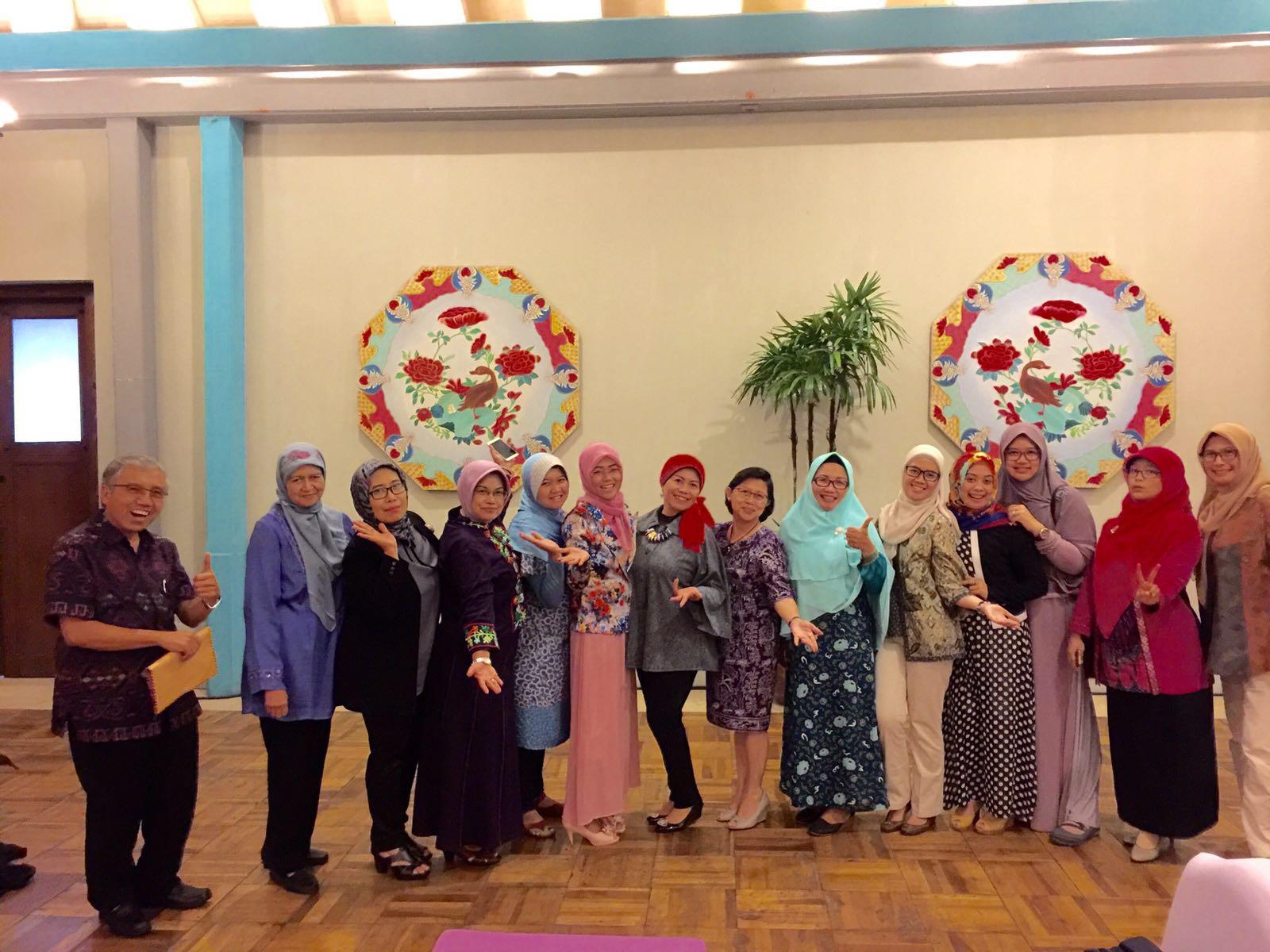 (Indonesia) Rapat Evaluasi Perkuliahan Semester Ganjil dan Persiapan Perkuliahan Semester Genap Tahun Ajaran 2015/2016